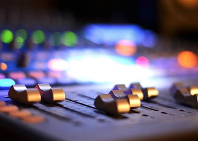 Hemsida åt producent, musiker och låtskrivare